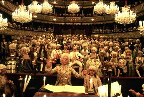 Amadeus on näyttävä pukudraama vuodelta 1984.