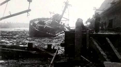 Lannoitelastissa olleiden laivojen räjähdykset tuhosivat myös rahtialus Wilson B. Keenen.