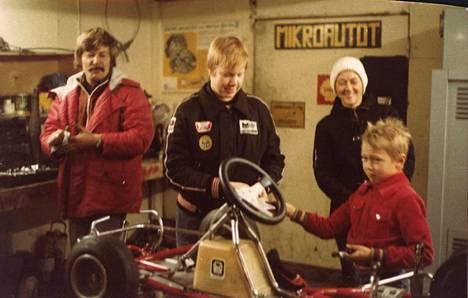 Koko Häkkisen perhe oli takavuosina mukana Mikan kartingharrastuksessa.