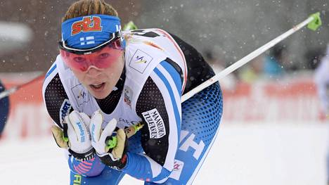 Mona-Liisa Nousiainen vaihtaa valmentajaa.