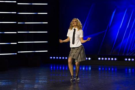 Jannen puoliso Anna Orkola nähtiin 2016 Nelosen Talent-ohjelmassa, jossa hän veti oman Britney Spears -show'n.