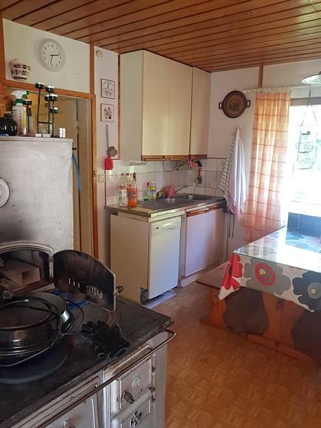 Keittiössä oli tehty remonttia viimeksi 80-luvulla.