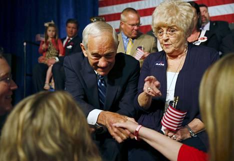 Rand Paulin isä Ron Paul on mukana tämän kampanja-avauksessa Kentuckyssa.
