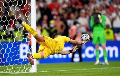 Italian maalivahti Gianluigi Donnarumma valittiin EM-kisojen parhaaksi pelaajaksi.