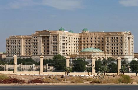 """Korruptionvastaiseksi kampanjaksi kutsutun """"puhdistuksen"""" yhteydessä pidätetyt ovat tiettävästi edelleen Riadin Ritz-Carlton-hotellissa."""