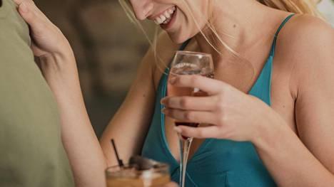 Tauko alkoholinkäytöstä antaa mahdollisuuden miettiä omaa juomistapaa.