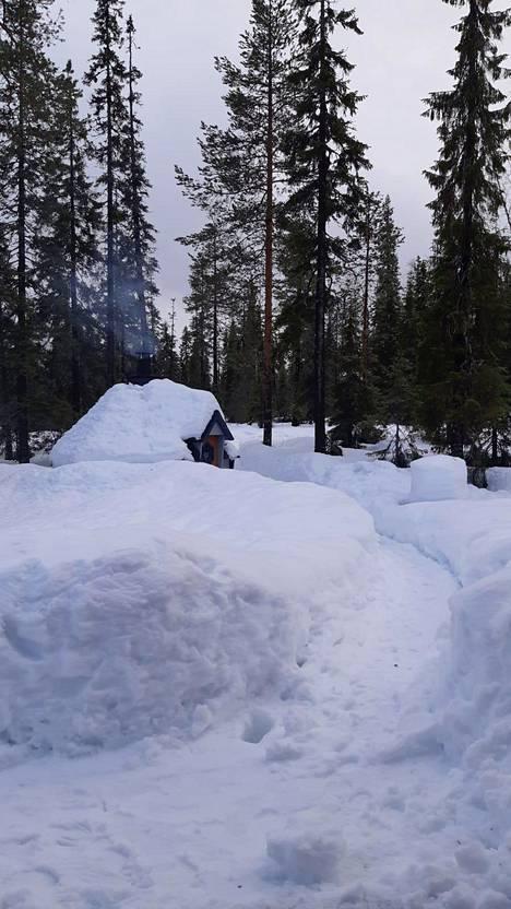Iso-Syötteellä lunta mitattiin 103 senttiä.
