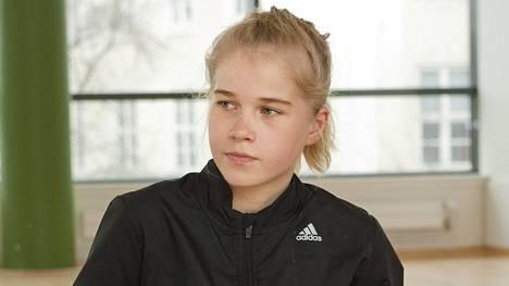 Alisa Vainio kuvattuna huhtikuun 2016 lopussa.