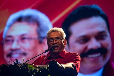Gotabhaya Rajapaksa pitämässä puhetta 13. marraskuuta.