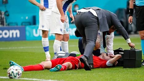 Venäjän Mario Fernandes selvisi pelottavasta tilanteesta Suomea vastaan vähin vammoin.