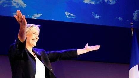 Marine Le Pen sai puolueensa kautta aikojen suurimman äänisaaliin sunnuntaina presidentinvaalin ensimmäisellä kierroksella.