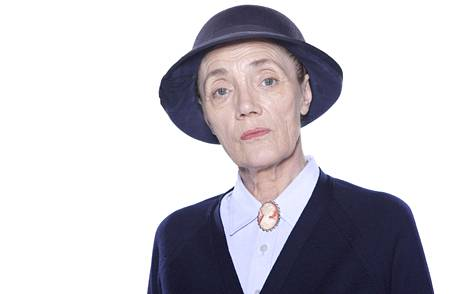 Stelfox muistetaan parhaiten Edna Birchin roolista.