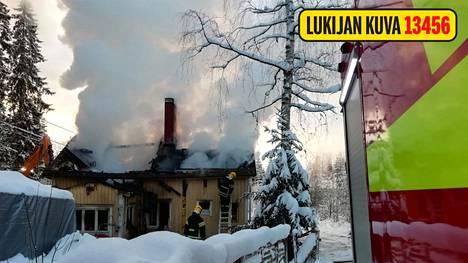 Pelastuslaitoksella ei toistaiseksi ole tietoa palon syttymissyystä.