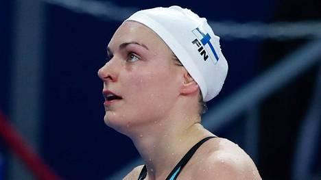 Jenna Laukkanen ui Suomen ennätyksen ja eteni MM-finaaliin