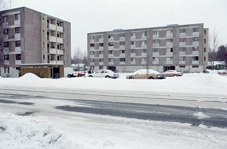 Murha tapahtui Hyvinkään Torikadulla kaupungin taloyhtiössä, jossa vietettiin varsin levotonta elämää muutenkin.