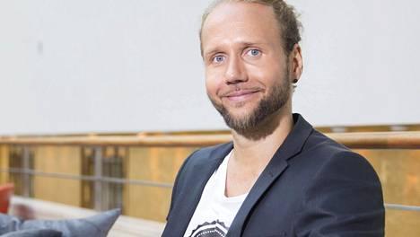Iholla-sarjan toisella kaudella vuonna 2014 seurattiin miesten elämää. Kuvassa sarjassa tavattu Esko.