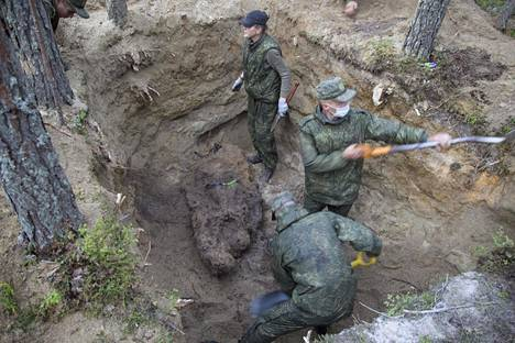 Venäjä on jo kahtena kesänä etsinyt Itä-Karjalan Sandarmohin joukkohaudoista Suomen surmaamiksi väitettyjen neuvostosotavankien jäänteitä.