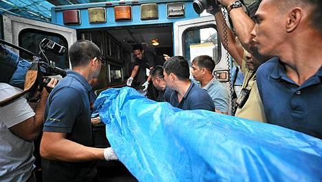 Kymmenen rakennusmiestä kuoli, kun rakennusteline sortui työmaalla Filippiinien pääkaupungissa Manilassa.