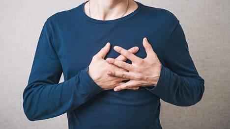 Tavanomaisen sydänkohtauksen kyllä tunnistaa, mutta joskus infarkti voi olla oireiltaan epätyypillinen tai jopa oireeton.