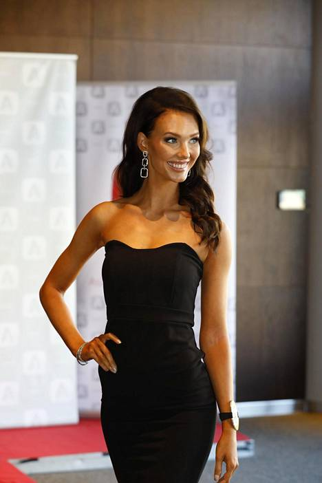Emmi Suuronen kilpailee Miss Suomi -kisassa numerolla 6.