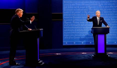 Trump ja Biden ottivat yhteen kahdessa väittelyssä ennen vaaleja eikä niissä juurikaan käsitelty ulkopolitiikkaa. Biden on luvannut palauttaa Yhdysvallat pöydän päähän kansainvälisillä areenoilla, jos hänestä tulee presidentti.