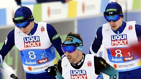 Suomen Eero Hirvonen (vas.) ja Ilkka Herola (oik.) epäonnistuivat MM-kisoissa.
