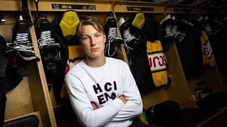 NHL:n ensi kesän kärkivarausten joukkoon uumoiltu Kärppien Aatu Räty jää rannalle nuorten MM-kisoista.