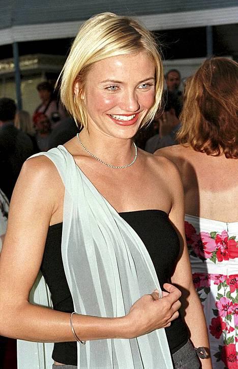 Cameron Diaz vuonna 1998 kun Sekaisin Marista -elokuva tuli ensi-iltaan.