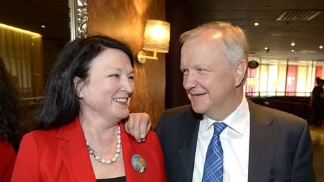 Olli Rehn (kesk) ja hänen Merja-vaimonsa ovat molemmat ehdokkaina.