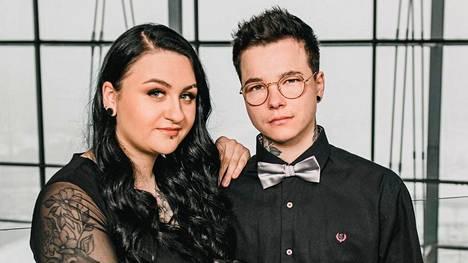 Sonya ja Mitte osallistuvat pariskuntana Temptation Island Suomeen.