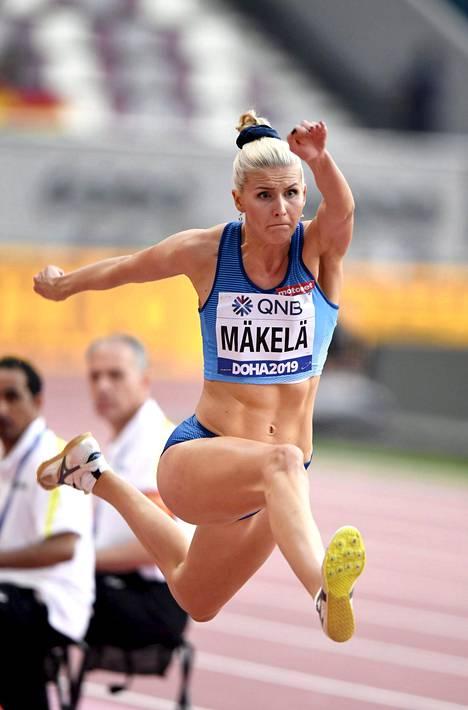Kristiina Mäkelä on toistaiseksi pystynyt harjoittelemaan suhteellisen normaalisti, kun Helsingin Liikuntamylly on auki pienelle joukolle huippu-urheilijoita.