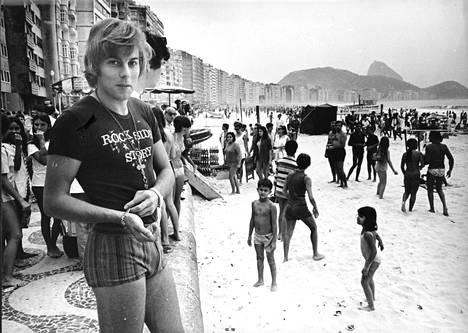 Danny äänitti alun perin italialaisen Tuuliviiri-kappaleen 1968. Samana vuonna hän osallistui pop-laulun maailmanmestaruuskilpailuihin Rio de Janeirossa mm. Paul Ankan kanssa.