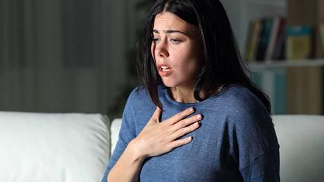 Haitalliseen stressiin liitetään usein etenkin psyykkiset oireet, kuten unettomuus ja muistiongelmat, mutta oireet voivat olla myös fyysisiä.