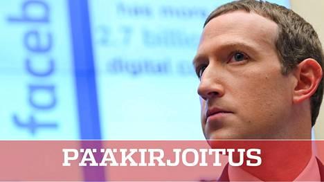 Facebookin Mark Zuckerberg on joutunut ahtaalle, kun hänen yritystään syytetään löperöstä valvonnasta netissä.