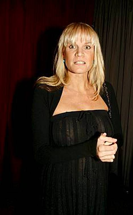 Julia Kanerva synnytti tyttövauvan.