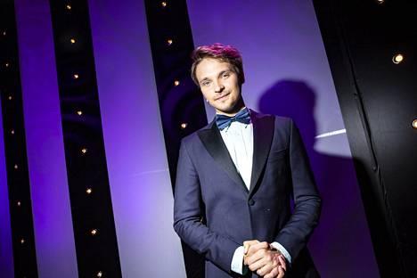 Roope Salminen on tullut tutuksi muusikkona, juontajana ja näyttelijänä.