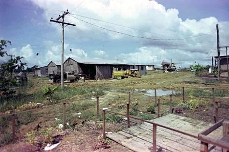 Jonestownin rakennuksia.