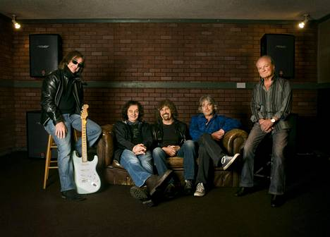 Zombies -yhtye eli Tom Toomey (vas.) Colin Bluntstone, Rod Argent, Steve Rodford ja Jim Rodford. Kuva on vuodelta 2011.