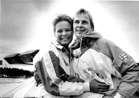 Nykänen ja Pia Hynninen (nyk. Mäntykangas) vuonna 1989.