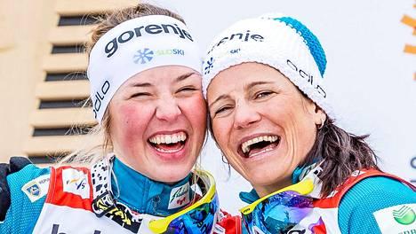Anamarija Lampic ja Katja Visnar (oik.) juhlivat MM-hopeaa vuonna 2019.