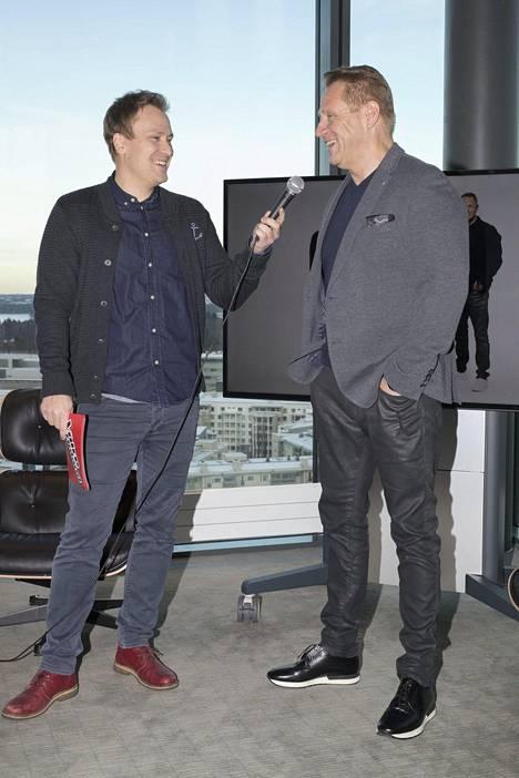 Heikki Paasonen jututti Olli Lindholmia Voice of Finland -ohjelman tiedotustilaisuudessa vuonna 2016.