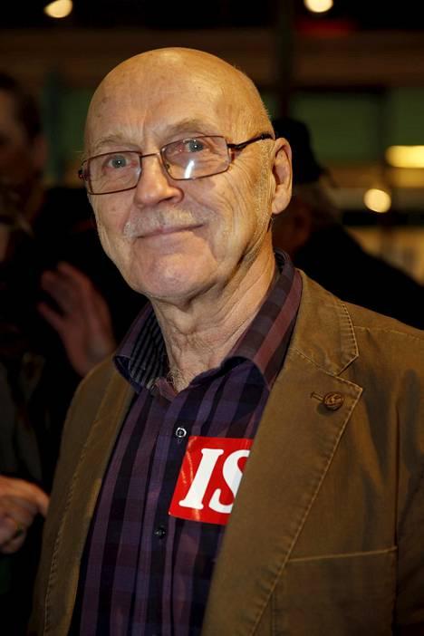 Sipoolainen Veijo Hämäläinen sai kysymyksellään aplodit yleisöltä.