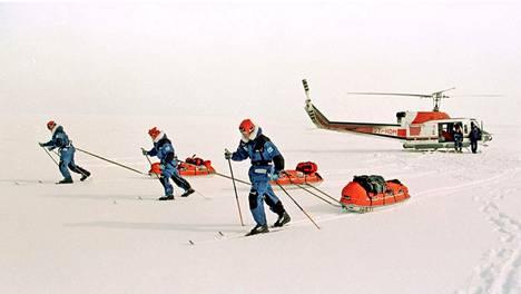 Polari retkikuntineen lähti matkaan 5. huhtikuuta 1997.