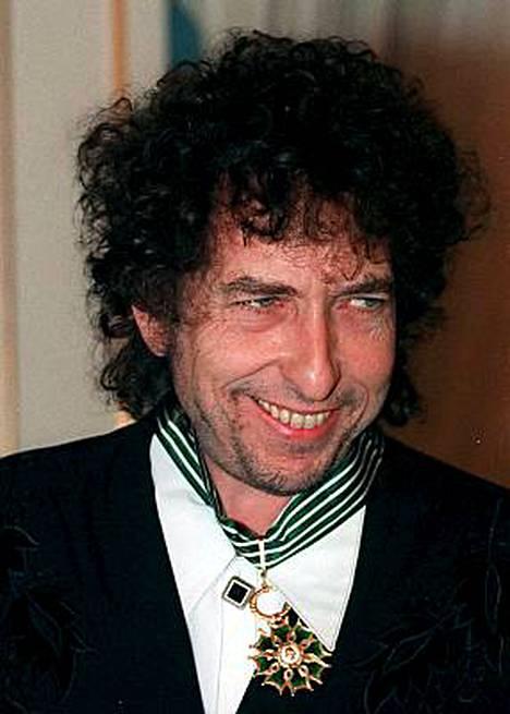 Minnesotan suuri mies Bob Dylan valtaa uusia taidealoja.