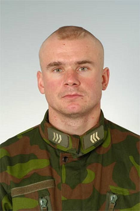 Menehtynyt rauhanturvaaja oli 29-vuotias kersantti Petri Tapio Immonen.