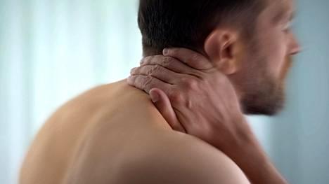 Tutkimuksen mukaan yli puolet suomalaisista kärsii viikoittaisista kivuista jossakin kohtaa vartaloaan.