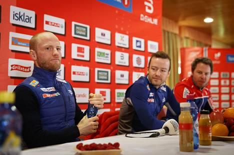 Martin Johnsrud Sundby (vas.) ei ollut mikään liehuletti voittaessaan 15 kilometrin MM-kultaa Seefeldissä 2019.