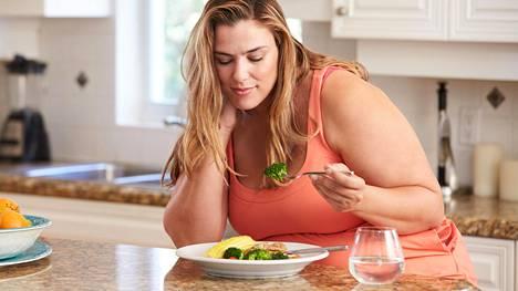 Rajua laihdutuskuuria ei ole mahdollista jatkaa koko loppuelämää, joten kuurin loputtua laihduttaja palaa herkästi vanhoihin valintoihin, jos uusia elintapoja ei ole samalla opeteltu.