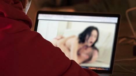 Vanhentuneet ohjelmistot voivat saattaa pornosurffarin vaaraan.