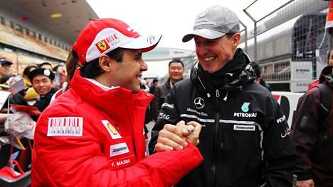 Felipe Massa ja Michael Schumacher kuvattuna Kiinassa 2010.